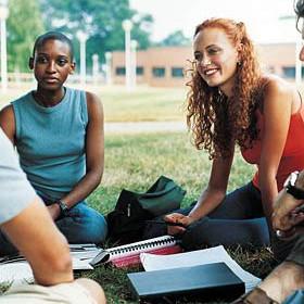 happy-college-students-e1275964503935