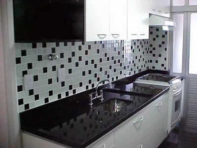 linha-cristal-cozinha-preta-branca