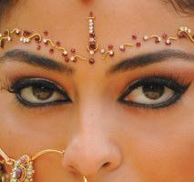 como-fazer-maquiagem-indiana
