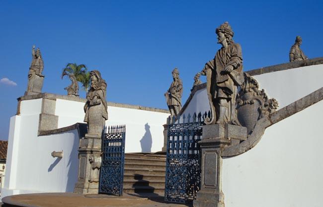sculpture_of_prophets_congonhas_minas_gerais_brazil_photo_gov_tourist_ministry