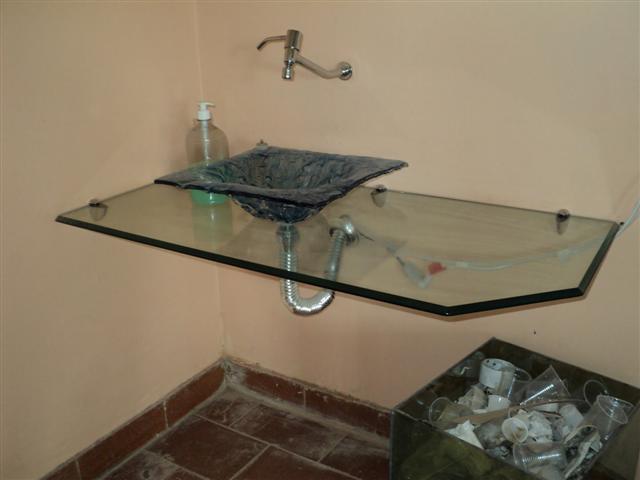 Banheiros com bancadas de vidro com fotos -> Bancada De Banheiro Com Pastilha De Vidro