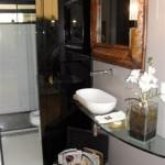 Banheiros-com-bancadas-de-vidro-com-fotos8