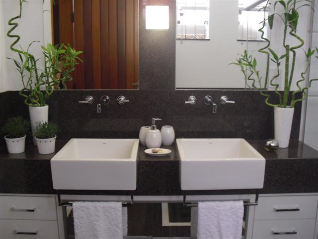 Banheiros decorados com granito -> Banheiro Decorado Com Granito Preto