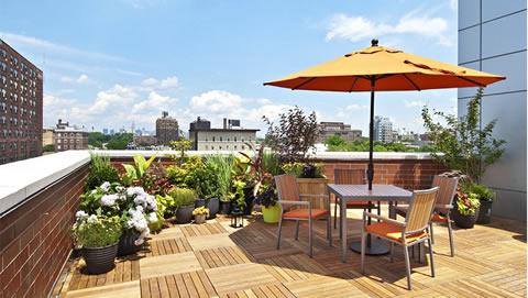 Fachadas de casas com terra o for Ideas para terrazas baratas