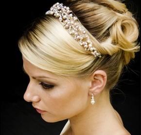 Penteados para noivas com grinalda1
