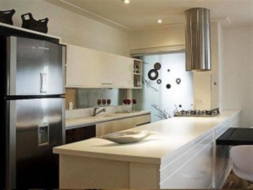 decoracao cozinha pequena simples:cozinha americana deve ter uma bancada que funcione também como uma