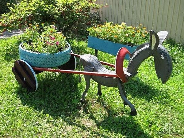 enfeite jardim bicicleta: externa com reaproveitamento do jardim (Foto:Divulgação