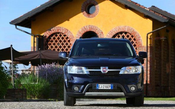 http://www.grzero.com.br/wp-content/uploads/2012/07/Fiat-Freemont-2013-divulga%C3%A7%C3%A3o-Toda-Novidade-2.jpg