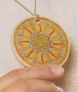 Crie peças diferentes com cerâmica para usar em bijuteria (Foto: divulgação).