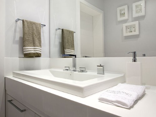 Decoração de banheiros muito pequenos -> Banheiro Pequeno Bancada