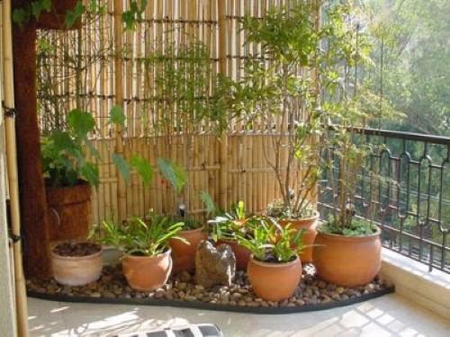 pedras para jardim em sorocaba: de estar e crie um pequeno jardim no canto da varanda, com s e