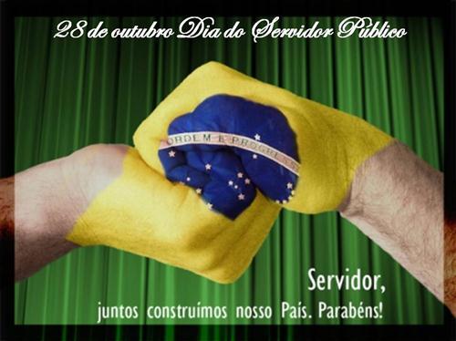 Comemorando o dia do funcionário público (Foto:Divulgação).