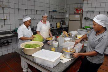O Sine de Natal oferece vaga para Auxiliar de Cozinha. (Foto: Divulgação).
