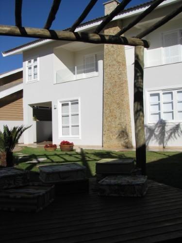 Fachada branca (Foto: Divulgação).