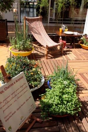 Decora o de jardins pequenos e simples veja fotos for Jardins pequenos e simples