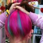 Cabelos coloridos curtos