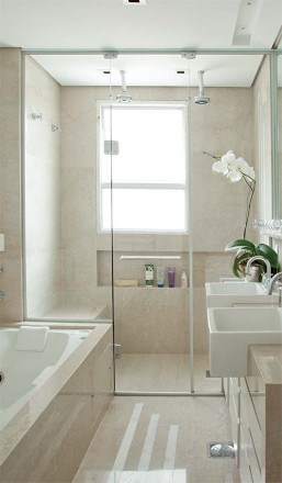 Bad Design What To Do : Banheiro decorado com banheira (Foto:Divulgação)