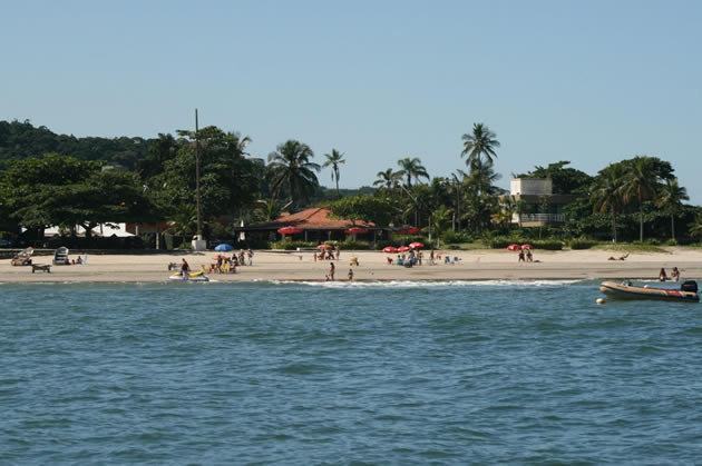 A Praia de Guaiúba é uma das melhores do estado de SP. (Foto: Divulgação).