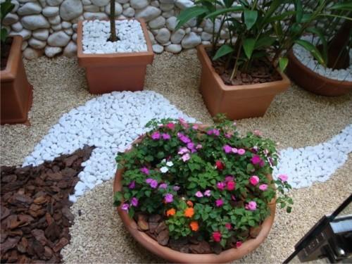 jardim pedras e flores:Jardim para apartamentos: Veja modelos lindos
