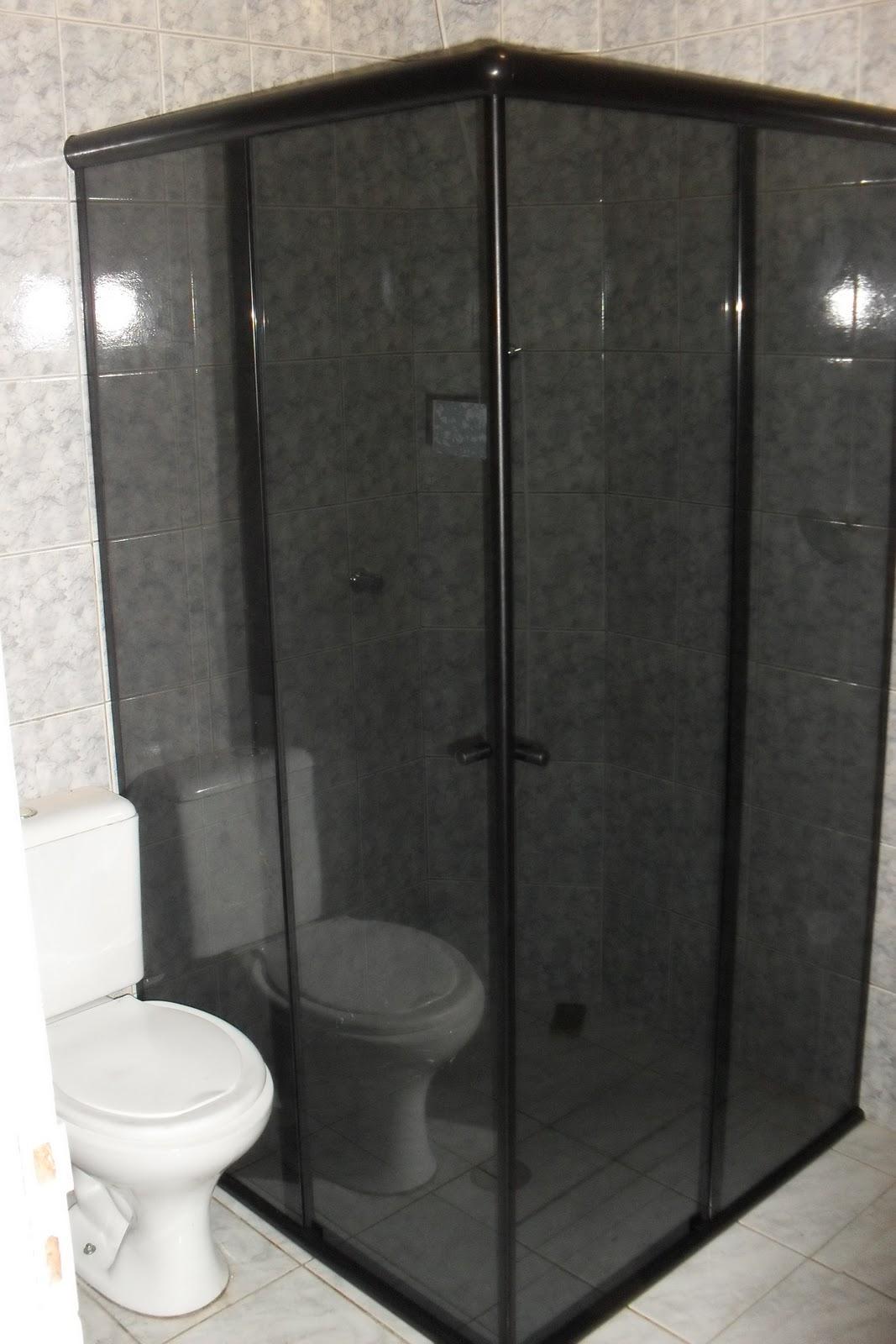 Imagens de #756756 Box para banheiro colorido. (Foto: Divulgação). 1067x1600 px 2936 Box Banheiro Fosco