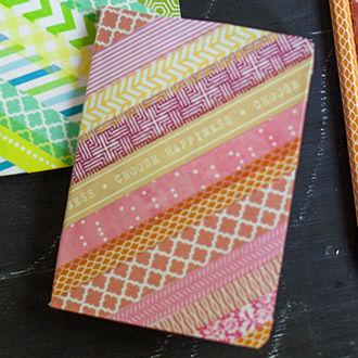 Cadernos decorados com fitas