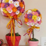 Topiarias de flores de cartolina coloridas