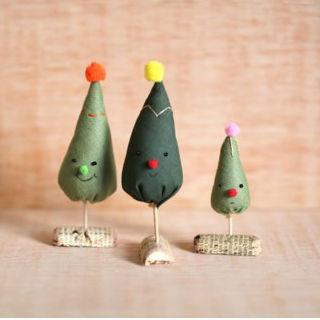 Mini árvore de Natal com retalhos de tecidos