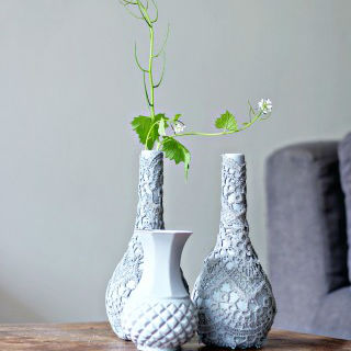 Como decorar vasos com renda