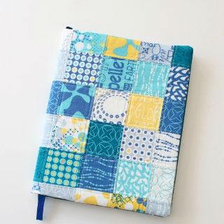Capa de caderno em patchwork