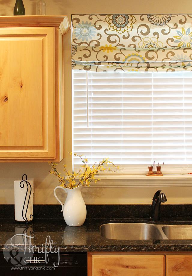 Como decorar uma persiana com tecido 9