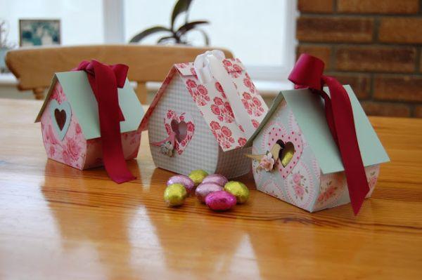 Esta casinha de passarinho pode ter o estilo que você desejar (Foto: zoe-paperisbliss.blogspot.com.br)