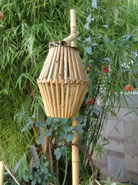 opções de artesanato de bambu para jardim