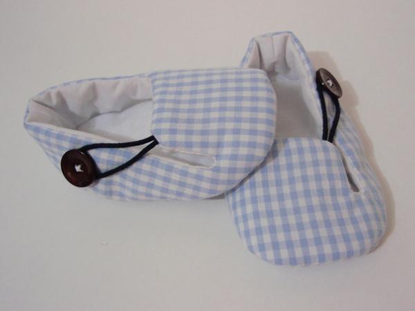 sapatinho de bebê em tecido