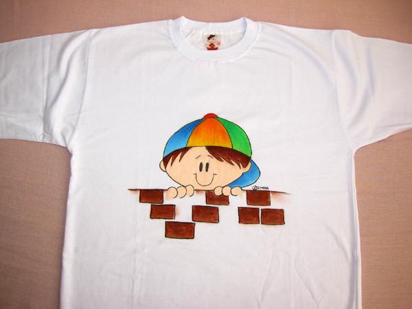 camiseta com menino