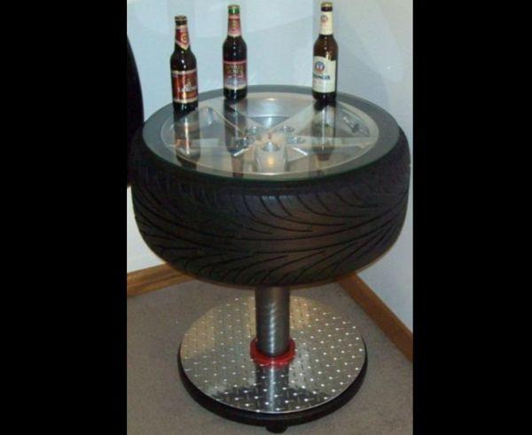mesa de pneu com suporte