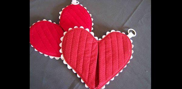 pegador de panela de coração