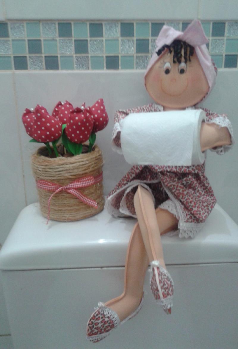 porta papel higienico de boneca