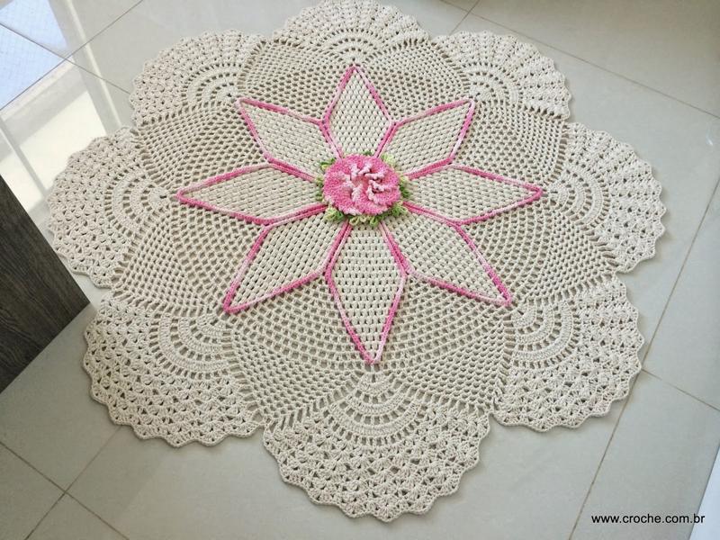 flor de croche aplicada