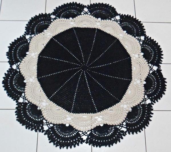 tapete croche preto e branco