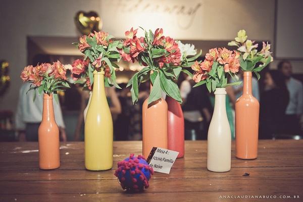 garrafa de vidro centro de mesa