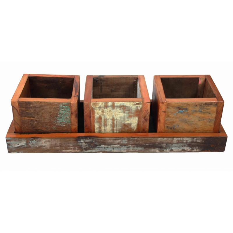 Artesanato com madeira de demolição cachepo