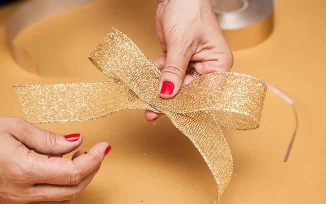 como fazer laço natalino