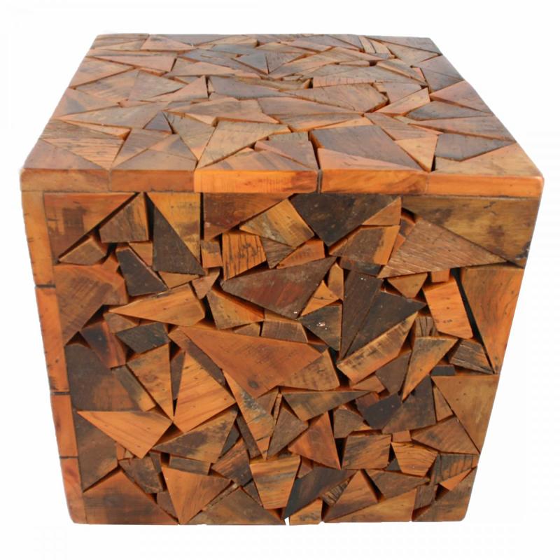 Artesanato com madeira de demolição cubo