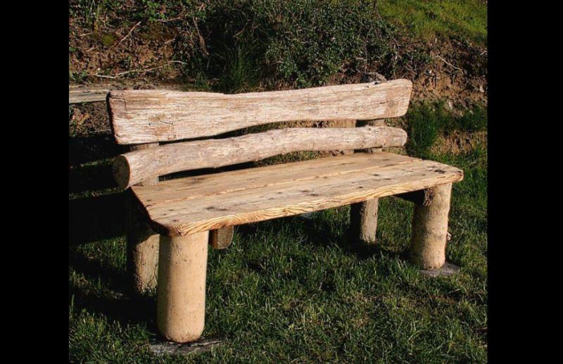 Artesanato com madeira de demolição banco