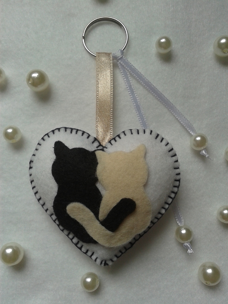 chaveiro de feltro gatos