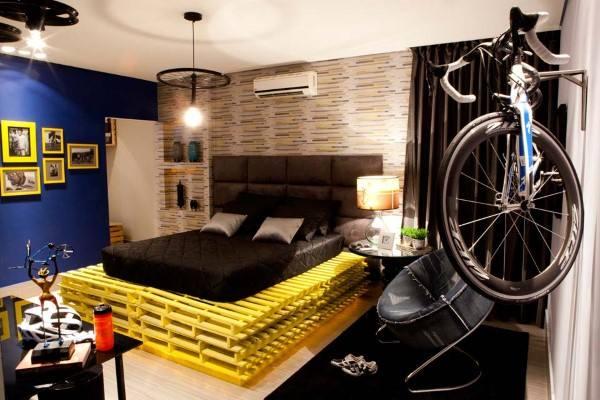 cama de palete amarelo