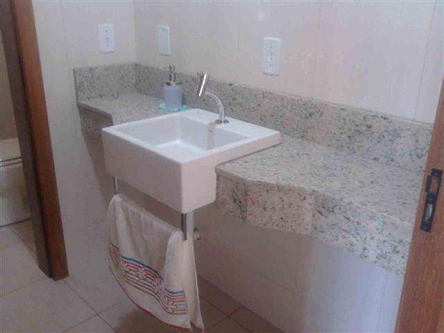 Banheiros decorados com granito -> Banheiro Pequeno Granito