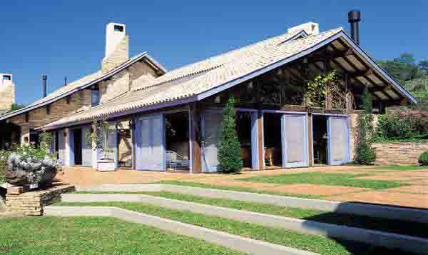 Modelos de casas de campo de luxo for Fachadas de casas estilo campo