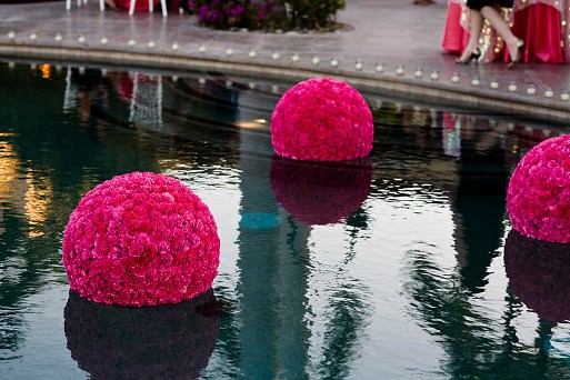 Decora o de piscina para festa de casamento for Piscina u de chile