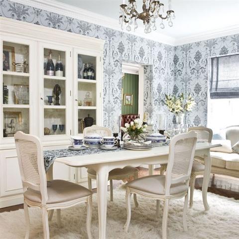 Decora o de sala de jantar com papel de parede for Como e dining room em portugues